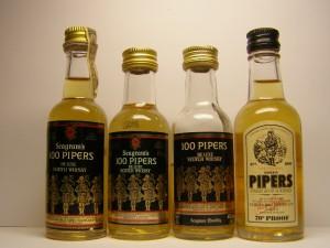 Evolución de la etiqueta en las petacas de whisky 100 Pipers